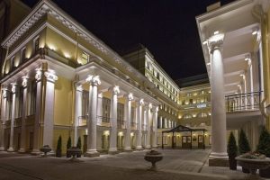 00-the-state-hermitage-official-hotel-main-entrance