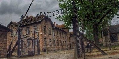 Auschwitz_header_400x200